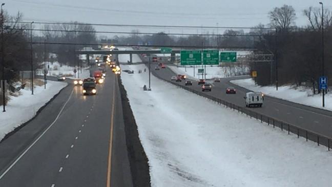 Car crash on I-55 causes traffic buildup | WICS