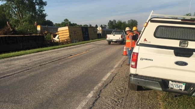 No Injuries in Central Illinois Freight Train Derailment | WICS